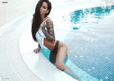 BeGudd-magazine-erotic-roxana-vancea-sexy-costum-de-baie-nud-summer-tatuaje-catalin-muntean-7